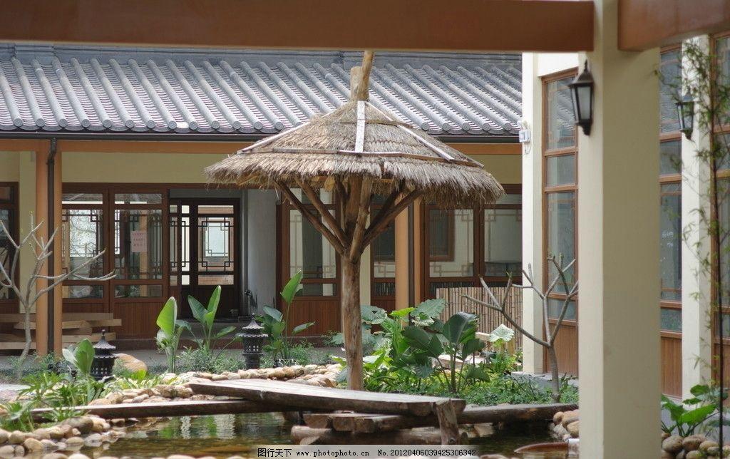 草亭 凳子 石头 草 水池 院子 休闲亭 古风建筑 建筑摄影 建筑园林
