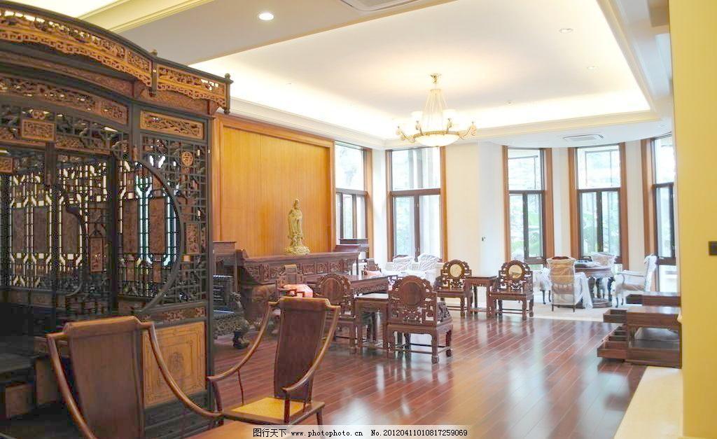 欧式卧室装潢 欧式      装潢 中式家具 欧式线条 石膏线 吊灯 装饰