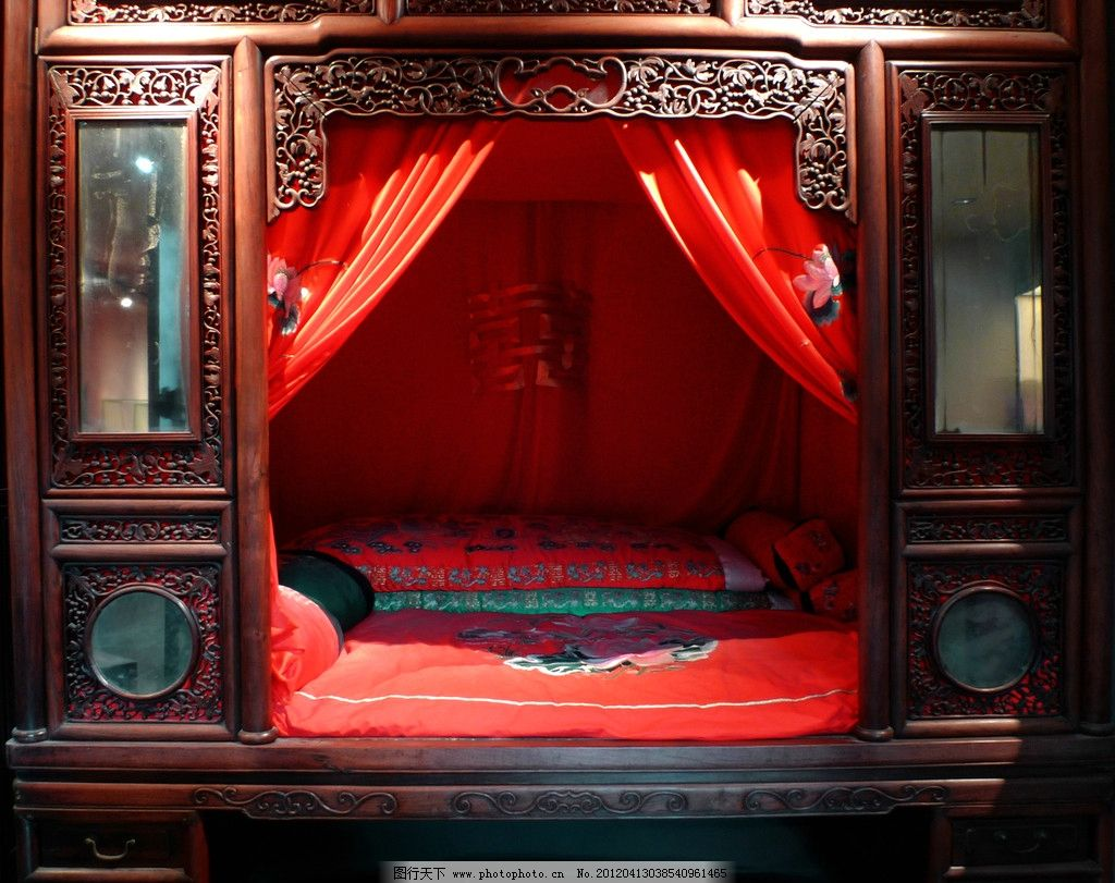 木雕婚床图片