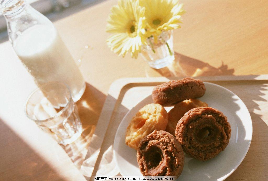 牛奶面包图片