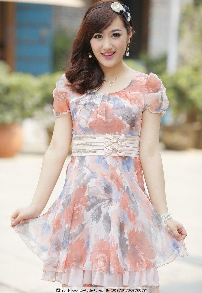 时尚女装 时尚连衣裙 时尚女性 时尚美女 夏日时装 可爱时尚型