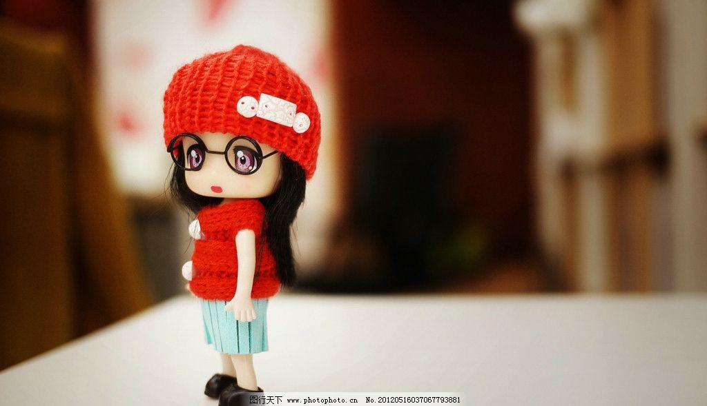 红帽子卡通女孩