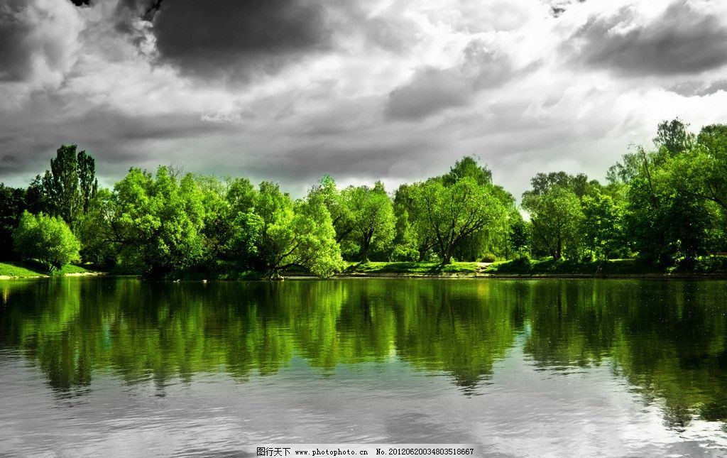 山水 碧绿 清澈 倒影 湖水 树林 天空 高清 风景 自然风景
