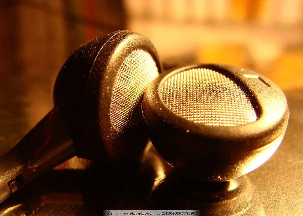 耳机 耳机特写 听筒 数码家电 生活百科 摄影 72dpi jpg